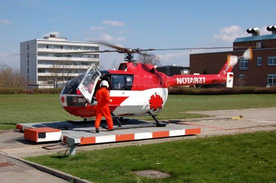 """Ob man einen Hubschrauber mit dem Steiger-Stern im Südschwarzwald sehen wird, steht zurzeit in den Sternen (hier eine BO 105 im Jahr 2007 als """"Christoph 11"""" im alten DRF-CorporateDesign)"""
