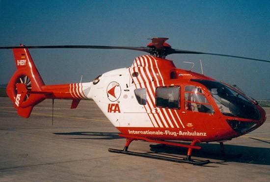 Mit der Internationalen-Flug-Ambulanz (IFA) fing im April 1990 alles in Sachsen an (hier die später eingesetzte EC 135)