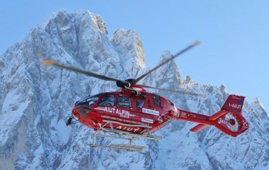 Bereits seit März 2015 setzt Aiut Alpin Dolomites die H135 in der Luftrettung ein – als erster Betreiber weltweit