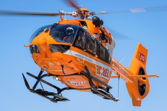 """Erstrahlt seit wenigen Tagen in Orange: der in Bozen/Bolzano stationierte RTH """"Pelikan 1"""""""