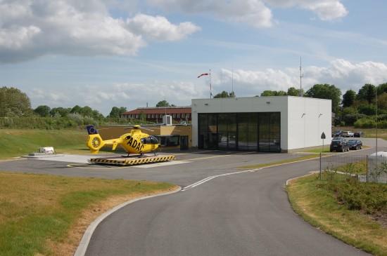 Das 2008 neu errichtete ADAC-Luftrettungszentrum liegt in unmittelbarer Nähe zum Kreiskrankenhaus Prignitz
