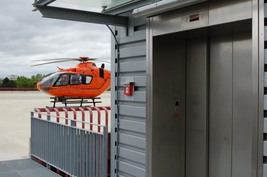 """Der ZSH """"Christoph 4"""" und der S3-Leitlinien-konforme Aufzug zur Notaufnahme/zum Schockraum"""