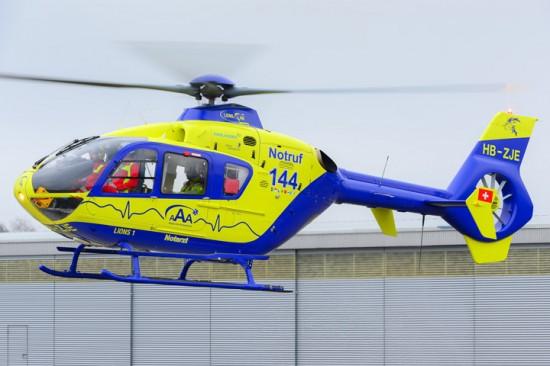 """Kann am 2. Juni besichtigt werden: der am Flugplatz Birrfeld stationierte RTH """"Lions 1"""" der AAA"""