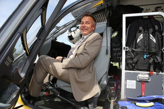Auch Thomas Kassner, Technikvorstand des ADAC Württemberg, freut sich über die Inbetriebnahme des neuen Hubschraubermusters vom Typ Airbus Helicopters H 145 in Ulm