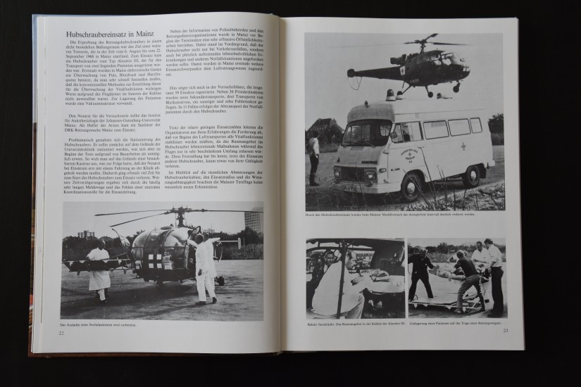 """Benjamin Homberg widmete dem Mainzer Testeinsatz eine Doppelseite in seinem 1985 erschienenen Buch """"Wir fliegen damit Sie leben. 15 Jahre organisierte Luftrettung"""""""