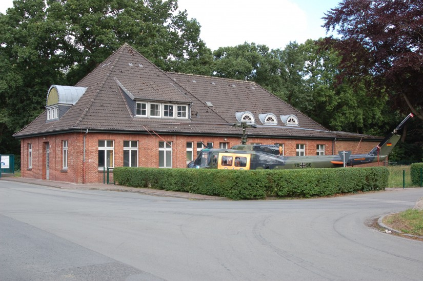 Das im Jahr 1916 erbaute Verwaltungsgebäude 24 soll später das Museum der Traditionsgemeinschaft Fliegerhorst Ahlhorn e. V. beherbergen