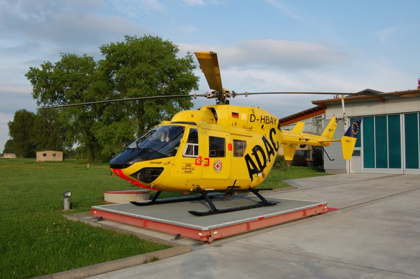 Erst Elbe Helicopter, dann der ADAC und ab 2019 die DRF Luftrettung  (hier eine Aufnahme aus Bautzen aus dem Frühsommer 2012 mit einer BK 117 der ADAC Luftrettung noch mit Bergeseil)