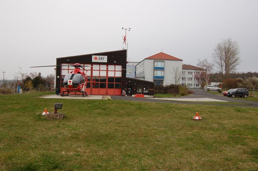 2008 war der Steiger-Stern auch noch in Ochsenfurt zu sehen; allerdings ging die spätere DRF-Station am 01.01.2011 an die ADAC Luftrettung über