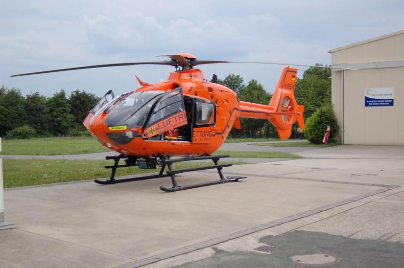 """Seit Oktober 2017 fliegt der Zivilschutz-Hubschrauber """"Christoph 2"""" übergangsweise von Friedrichsdorf aus zu seinen oftmals lebensrettenden Einsätzen"""
