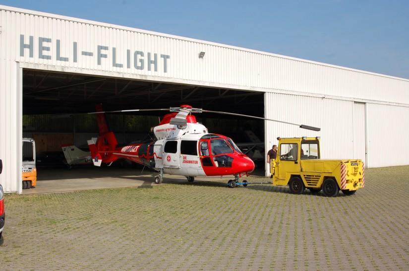 """Am Johanniter-Luftrettungszentrum """"Christoph Mittelhessen"""" auf dem Flugplatz Reichelsheim/Wetterau ist ein weiterer Intensivtransporthubschrauber (ITH) stationiert"""