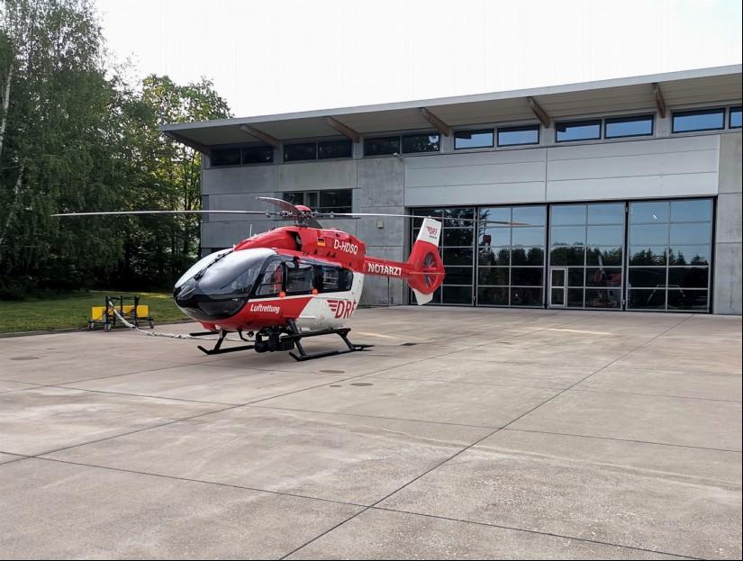 Seit gestern Abend fliegt die Besatzung in Bad Berka mit einer hochmodernen H145 zu ihren Einsätzen