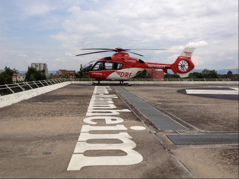 """Das Team von """"Christoph 53"""" ist als erstes in Deutschland komplett in der Anwendung erweiterter invasiver Notfalltechniken ausgebildet"""