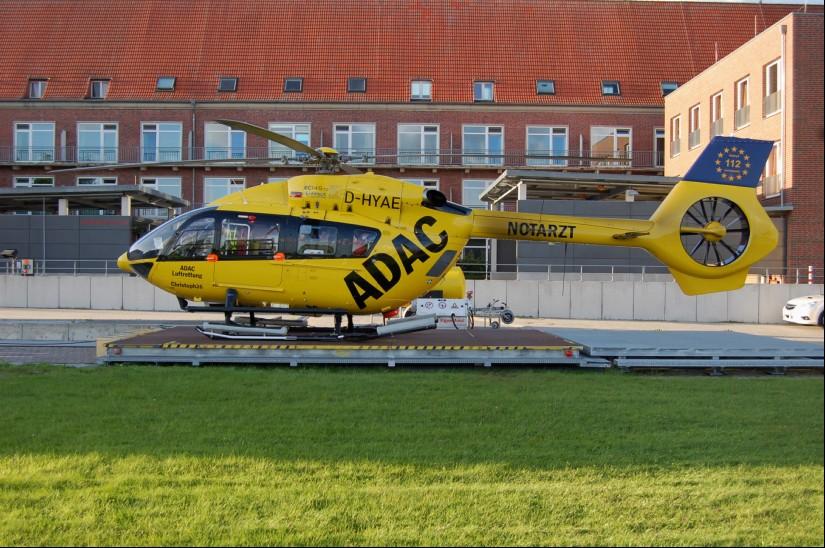"""Ab dem 2. September steht in Eßweiler eine H145 der ADAC Luftrettung für Rettungseinsätze bereit (hier eine Archivaufnahme der D-HYAE als """"Christoph 26"""" in Sande)"""