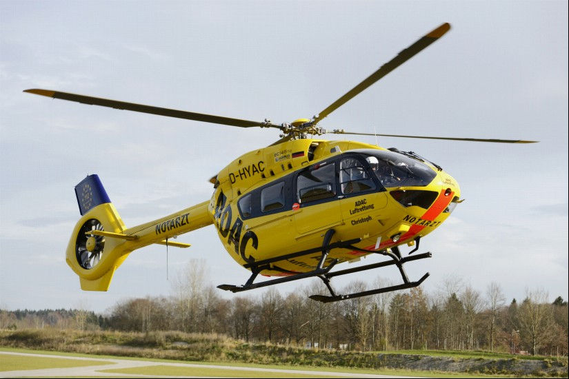 """Heute früh um 7:21 Uhr landete der Dual-Use-RTH """"Christoph 66"""" zum ersten Male in Eßweiler (hier ist eine baugleiche H145 der ADAC Luftrettung zu sehen)"""