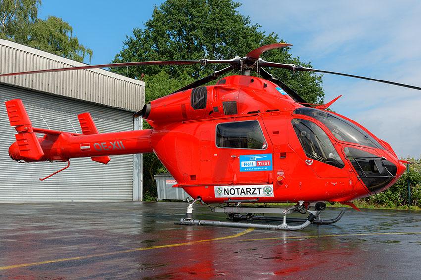 """Im Sommer 2019 flog die MD 900 """"OE-XII"""" von Heli Austria in Kooperation mit der Johanniter Luftrettung für mehrere Wochen als ITH """"Akkon Bochum 89-1"""""""