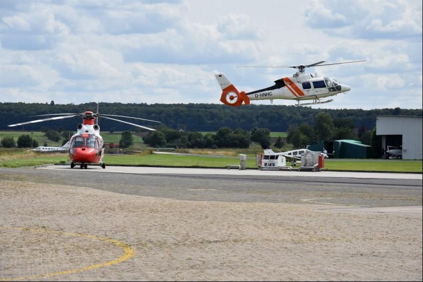"Am Nachmittag des 16. August 2019 setzte die SA 365 C3 ""D-HNHC"" am Flugplatz Reichelsheim/Wetterau (EDFB) zur Landung an ..."