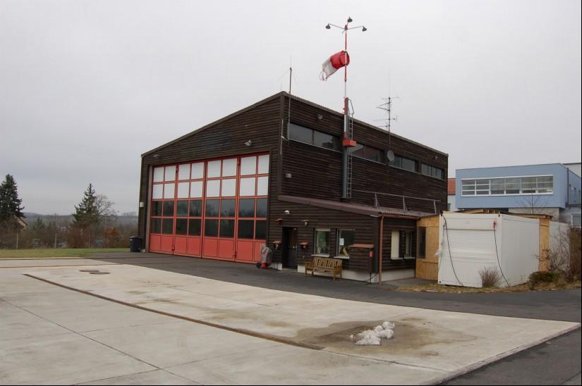 """So sah die Station """"Christoph 18"""" im Januar 2011, kurz nach Übernahme durch die ADAC Luftrettung, aus"""