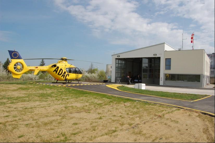 Die ADAC Luftrettung setzt am Standort Ochsenfurt von Anfang an eine EC 135 ein (hier eine Aufnahme aus dem April 2013)