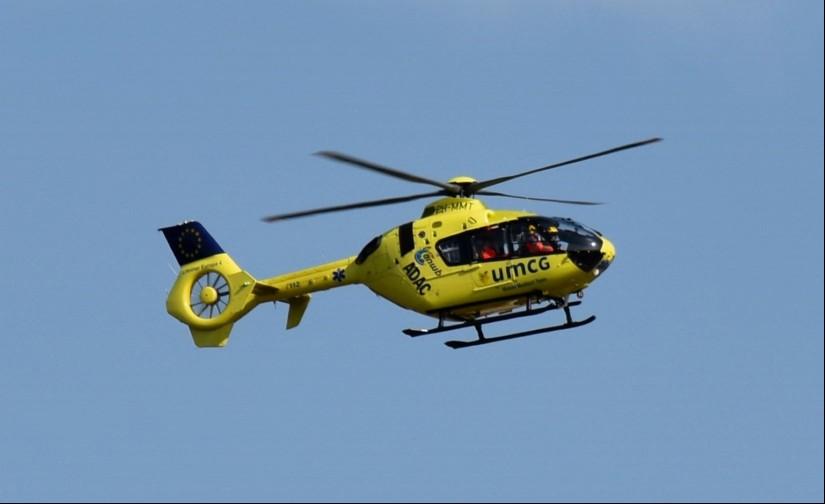 """Die ADAC Luftrettung betrieb von 2003 bis 2019 den Traumahelikopter """"Lifeliner Europa 4"""" (hier zu sehen im August 2018 bei der Landung am Groningen Airport in Eelde)"""