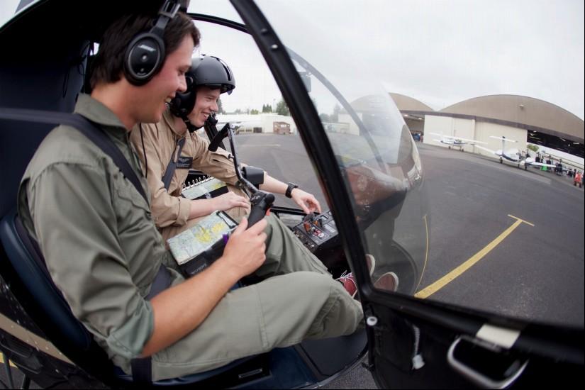 """Ziel der Zusammenarbeit ist es, junge Menschen für die """"Rettungsfliegerei"""" zu begeistern"""
