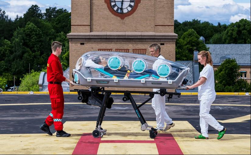 """Die innovativen """"EpiShuttles"""" erlauben es, den Patienten wie in einer Isolierstation zu transportieren"""