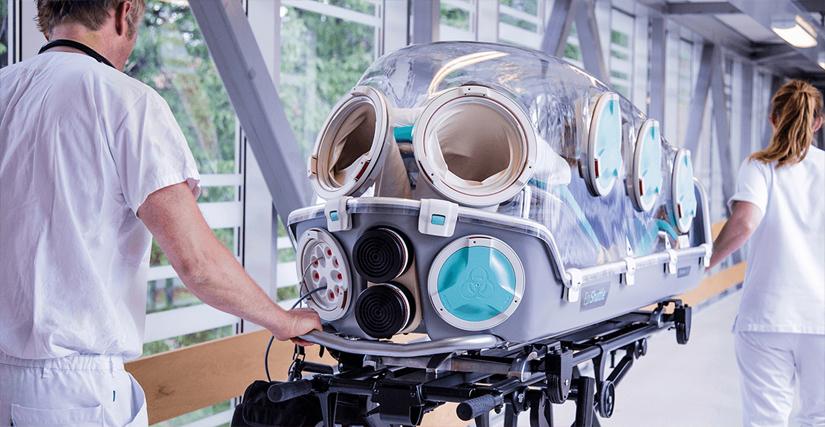 Die DRF Luftrettung ist in der Lage, bei Engpässen Patienten schnell und intensivmedizinisch beatmet in eine Klinik mit freiem Beatmungsbett zu fliegen