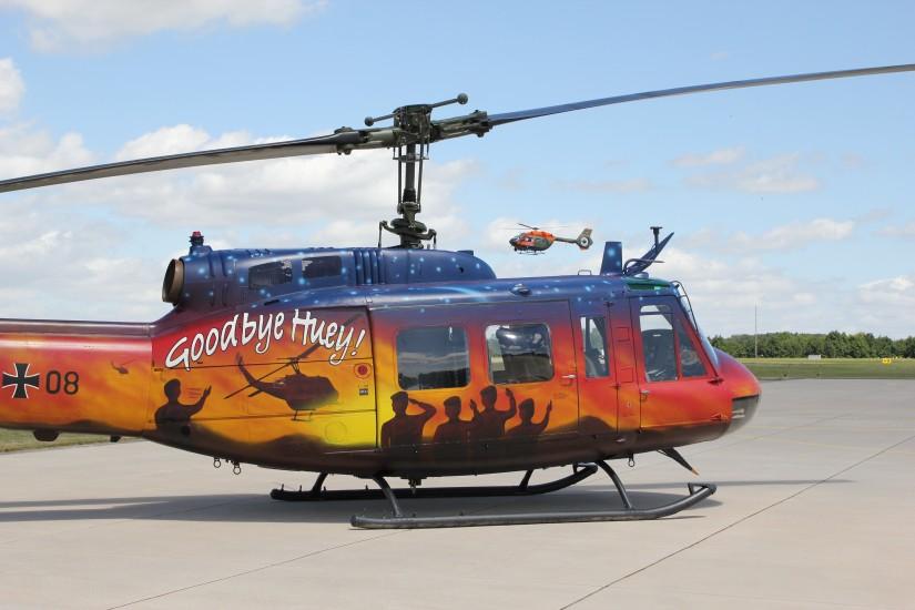 """Bell UH-1D in der Sonderlackierung """"Goodbye Huey"""""""