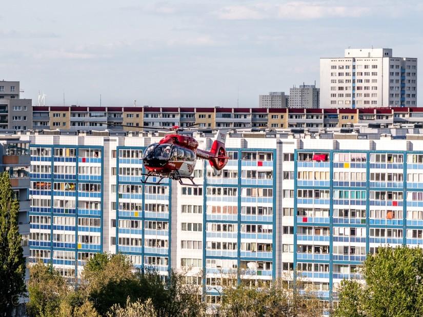 Schnellstmögliche Hilfe immer und überall, auch während der Corona-Epidemie: Die Hubschrauber der DRF Luftrettung sind zur Stelle