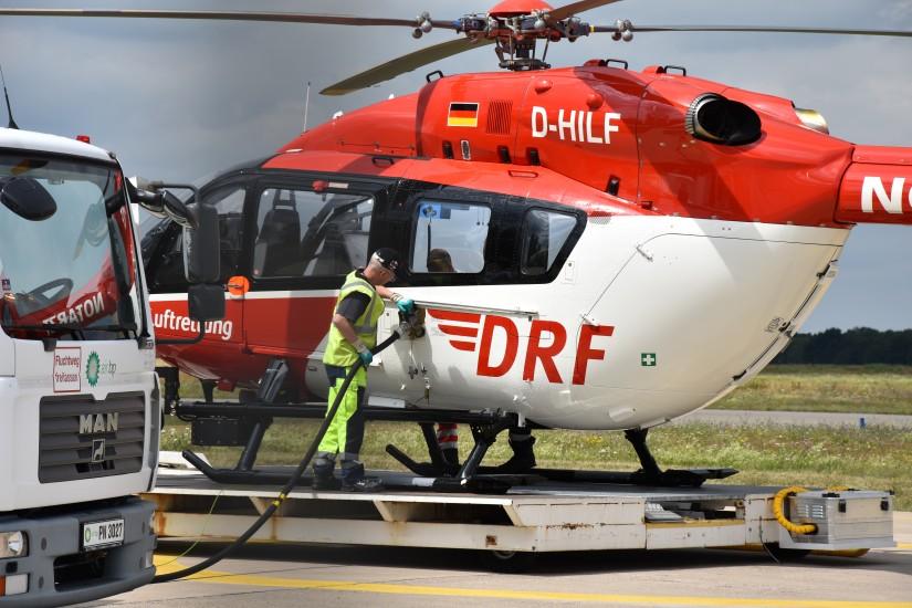 Die D-HILF stand noch am Samstagmorgen (25.07.2020) am Flughafen Hannover Airport International – und wurde dort aufgetankt