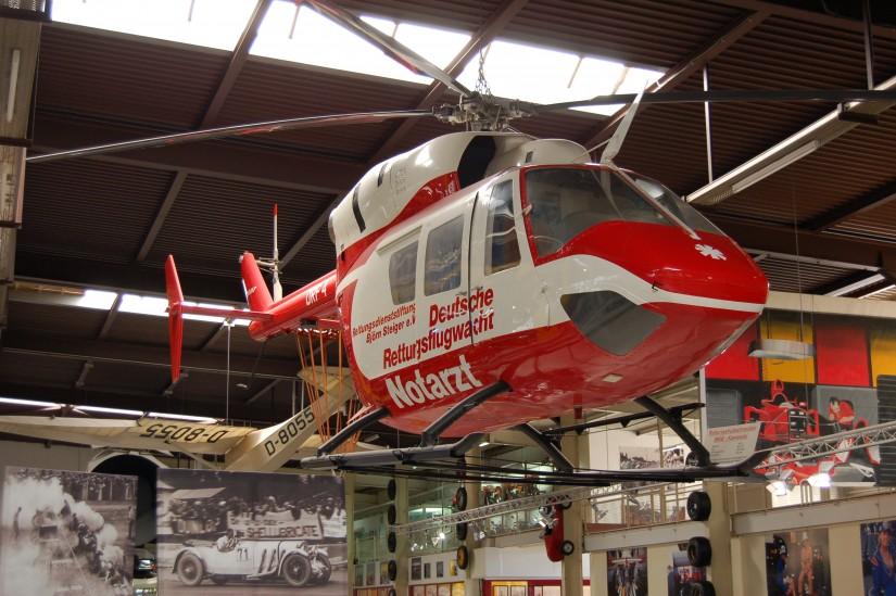 Und ein hölzernes Mock-Up der BK 117 im Corporate Design der ehemaligen Deutschen Rettungsflugwacht e. V. (DRF) gibt es im Technik-Museum Sinsheim