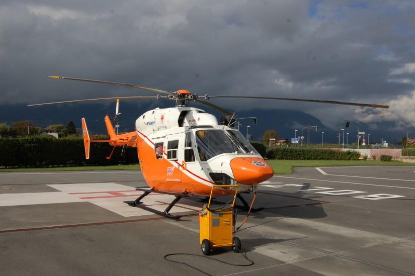 Mitte Oktober 2014 flog in Bozen/Bolzano (Südtirol/Italien) noch eine BK 117 – und zwar im Design des Landesrettungsvereins Weißes Kreuz/Croce Bianca