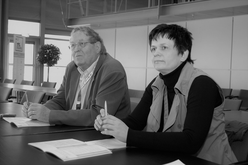 Dr. jur. Peter Hennes beim 11. DRK-Rettungskongress in Hannover im März 2009 (neben ihm Kerstin Uterwedde vom DRK-Landesverband Sachsen-Anhalt)