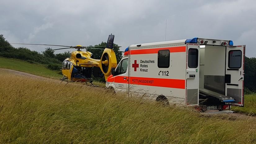 """In der Westpfalz schwer gefragt: """"Christoph 66"""" der ADAC Luftrettung (hier bei seinem 1.000sten Einsatz Anfang Juni 2020 anlässlich eines schweren Unfalls)"""