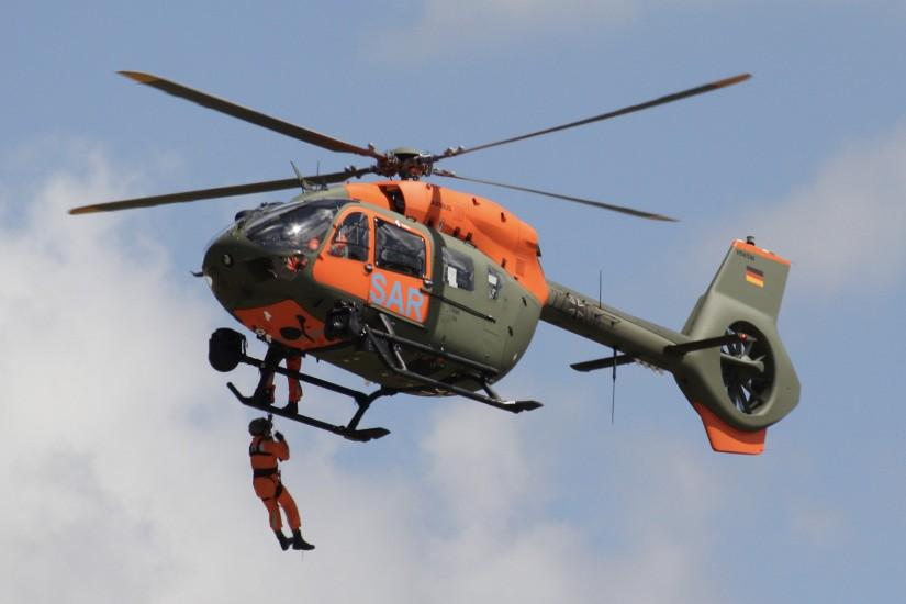 """H145 """"LUH SAR"""", hier bei der Fähigkeitsdemonstration beim Waffensystemwechsel in Niederstetten am 6.7.2020"""