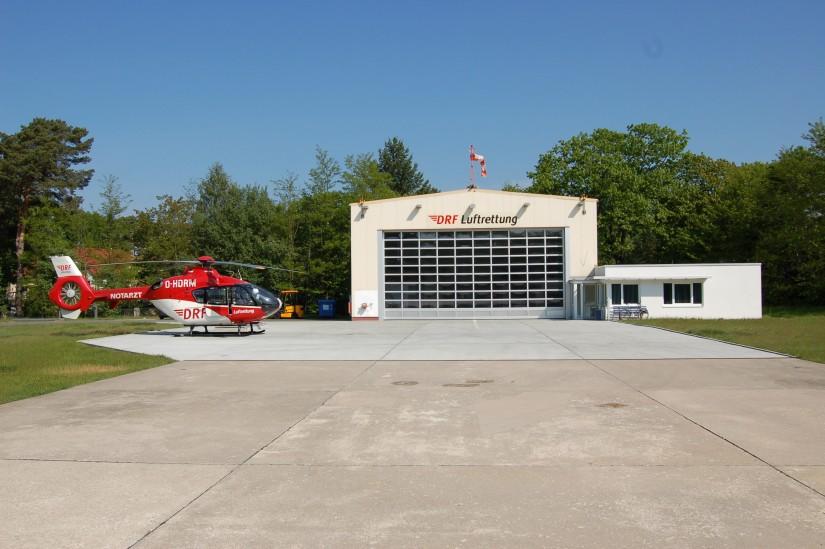 """Die Archivaufnahme aus dem Mai 2010 zeigt die als RTH """"Christoph 49"""" verwendete EC 135"""
