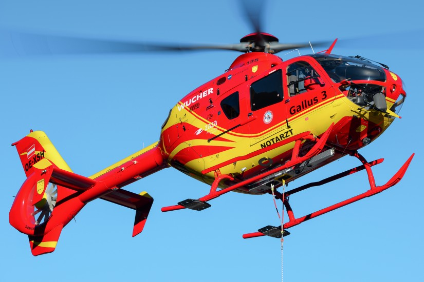 Die seit dem heutigen 1. März 2021 eingesetzte EC 135 T1 OE-XSH, hier noch im Dienst als Gallus 3 in St. Anton am Arlberg