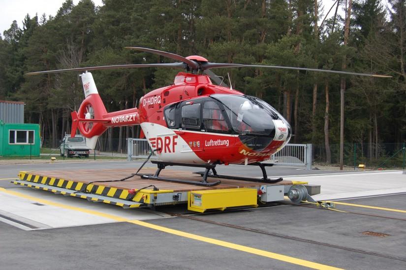 """Vom 1. April 2011 bis 31. März 2021 kam am Flugplatz in Latsch eine EC 135 als """"Christoph 80"""" zum Einsatz"""