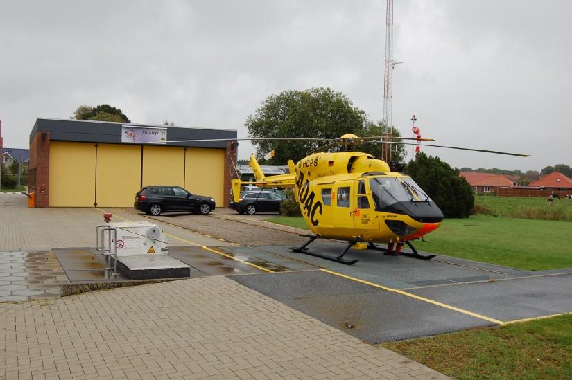 Für die BK 117 reichte der Hangar der alten Luftrettungsstation aus (Aufnahme aus dem September 2014)