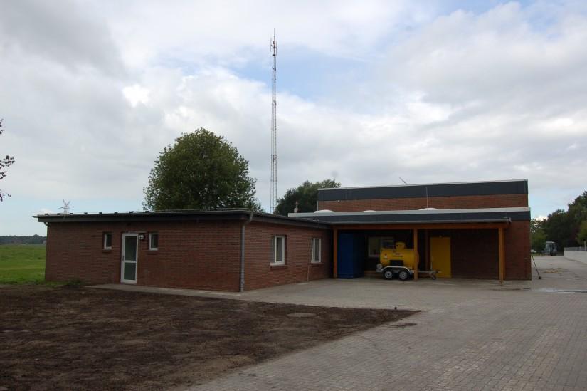 Für Crew und Material wurde die bestehende Station mehrfach erweitert (Aufnahme aus dem September 2012)