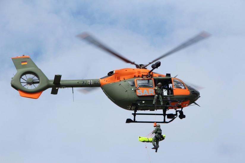 Mittlerweile gibt es mehr und mehr zivile Rettungshubschrauber; in Mittelgebirgen teilweise auch mit Seilwinde. Die SAR-Kommandos fliegen seit Jahren jeweils unter 100 Einsätzen p.a.