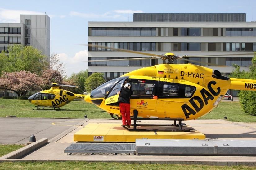 """Ergänzt sinnvoll die Luftrettung nicht nur in der Metropolregion Rhein-Neckar: der an der BG Klinik Ludwigshafen stationierte Dual-Use-Hubschrauber """"Christoph 112"""""""