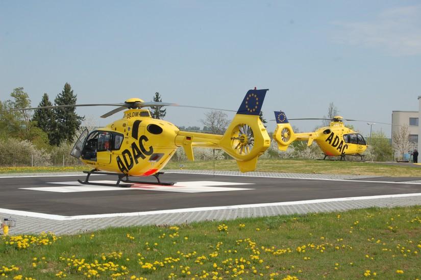 Im April 2013 konnten der renovierte Hangar und der komplett neu errichtete Sozialtrakt offiziell in Betrieb genommen werden – aus diesem Anlass konnte man dort gleich zwei EC 135 antreffen