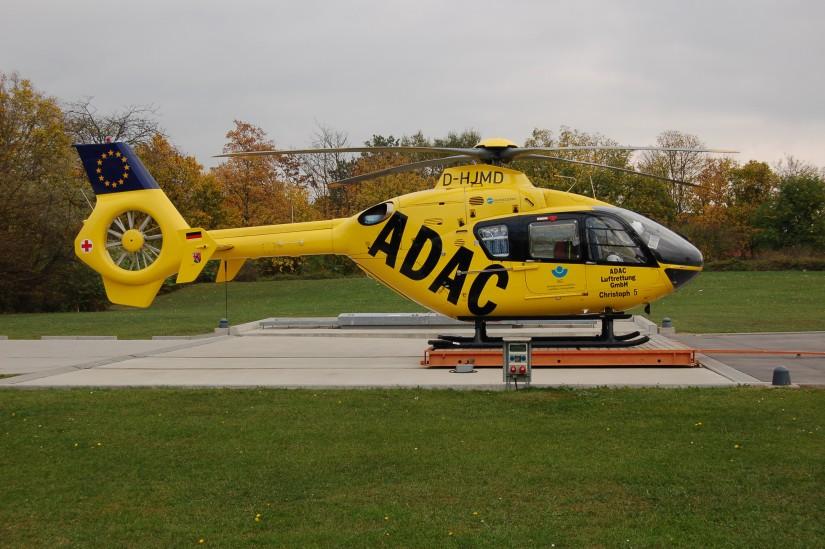 """Mitte Oktober 2008 wartet """"Christoph 5"""" an der BG Klinik in Ludwigshafen-Oggersheim auf seinen nächsten Einsatz"""