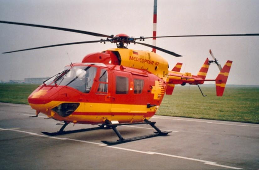 """Bekannt aus der RTL-Serie """"Medicopter 117"""": auch diese BK 117 von HTM wurde von der IFA in Leipzig eingesetzt"""