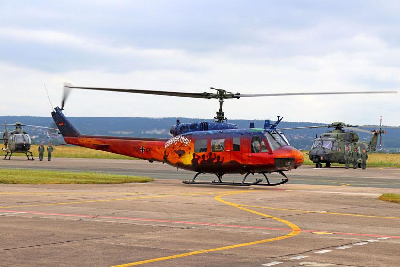 Nur noch knapp zwei Sekunden in der Luft, bevor das Kapitel Bell UH-1D bei der Bundeswehr final zu Ende geht.