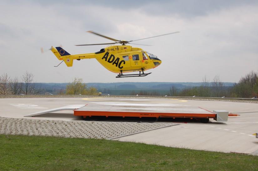"""Einige Stunden zuvor hatte """"Christoph 32"""" noch einen Notfallpatienten nach Regensburg an das dortige Universitätsklinikum verlegt (hier zu sehen der Start zum Rückflug nach Ingolstadt)"""