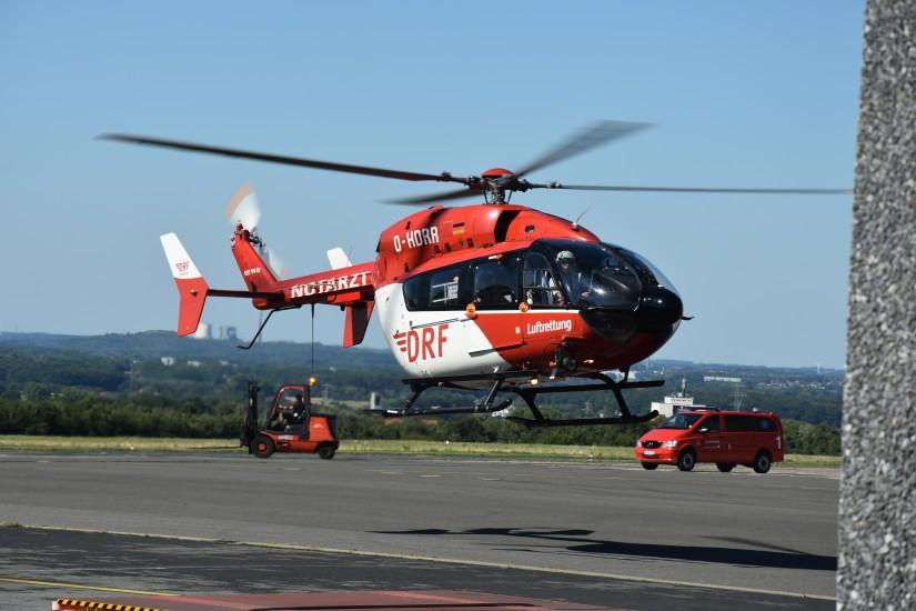 Der Zufall wollte es, dass gleich beide zu veräußernden EC 145 am 5. August 2020 an der DRF-Station Dortmund zu sehen waren: Während die D-HDRR gerade von einem Einsatz zurückkehrte, ...