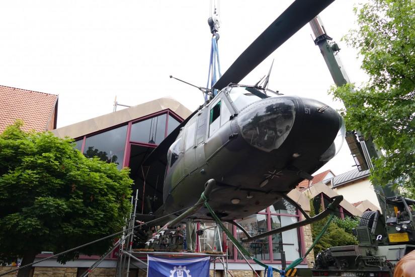 """Damit die """"73+08"""" ihren Platz im Hubschraubermuseum einnehmen konnte, musste die """"70+51"""" ihren angestammten Platz nach zehn Jahren wieder verlassen"""