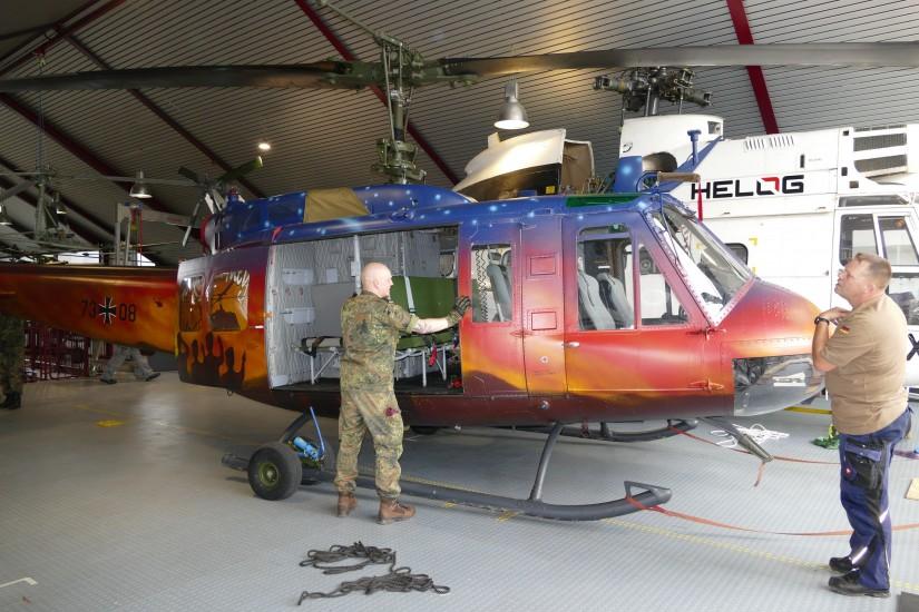"""Es ist fast vollbracht! Die """"73+08"""" hat ihren Platz im Hubschraubermuseum eingenommen"""