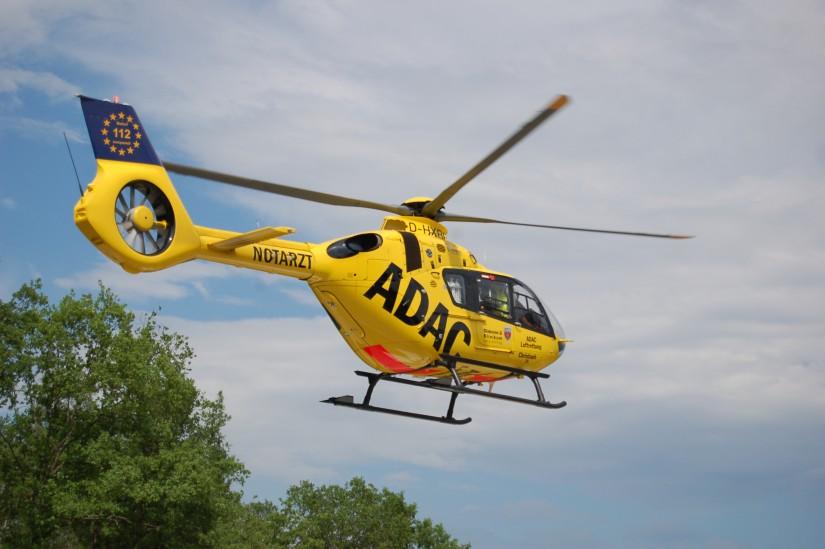 Einige Jahre flog auch in Siegen eine H135 – mit dem Umzug auf das Dach des Diakonie-Klinikums wurde diese Anfang 2021 wieder durch eine EC 135 ersetzt